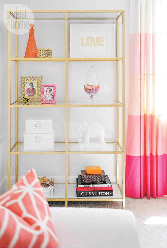 interior-whitebeige-shelf