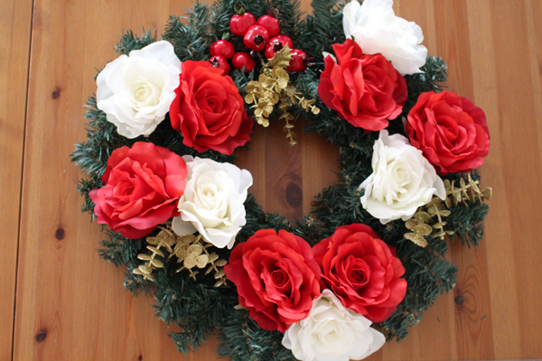 Liv with vision | DIY Floral Christmas wreath