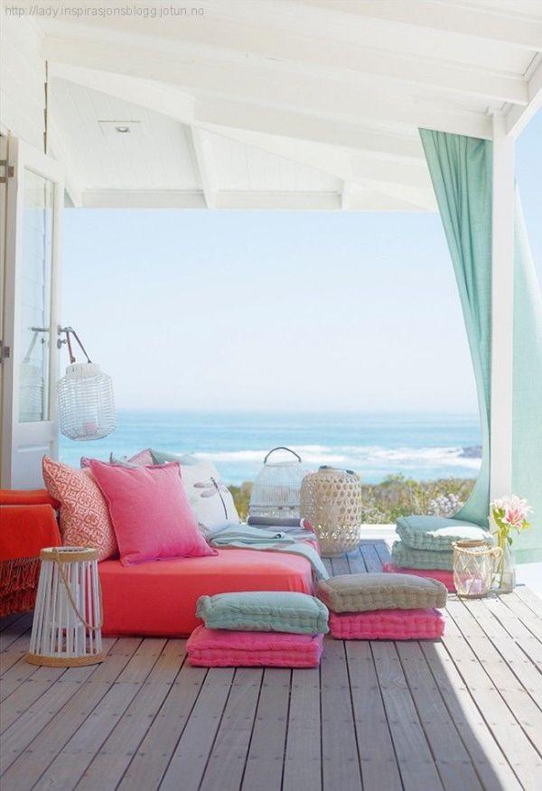 Bright beachy colour schemes